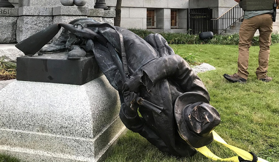 destroying-confederate-statues
